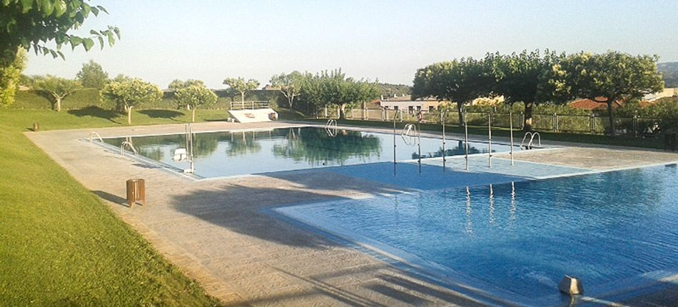 Prolongan la apertura de piscinas infopalancia for Piscina segorbe