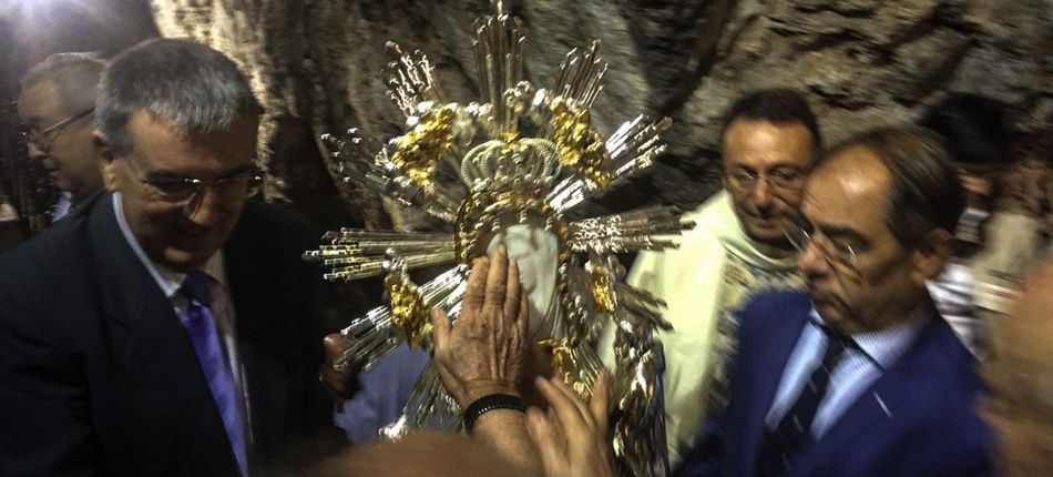 Culto a la Blanca Paloma