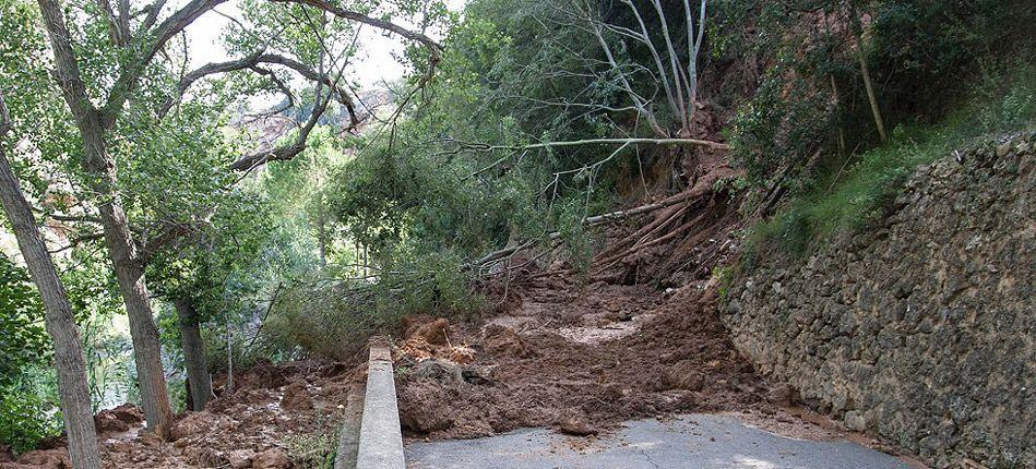 Desplome de tierras en Navajas