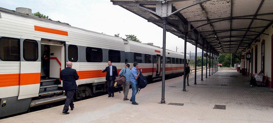 Los usuarios del tren de cercanías serán trasladados en autobús