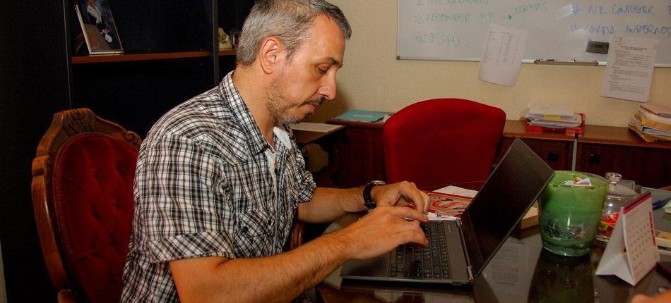 Presupuestos participativos por email