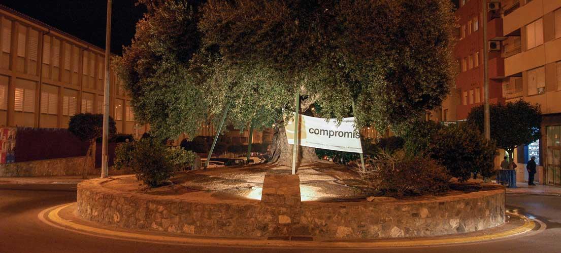 Compromis y EUPV colocan pancartas donde quieren