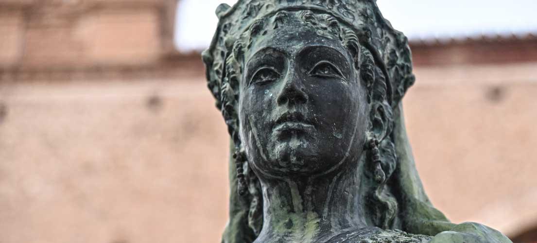 Tres obras optan al premio María de Luna