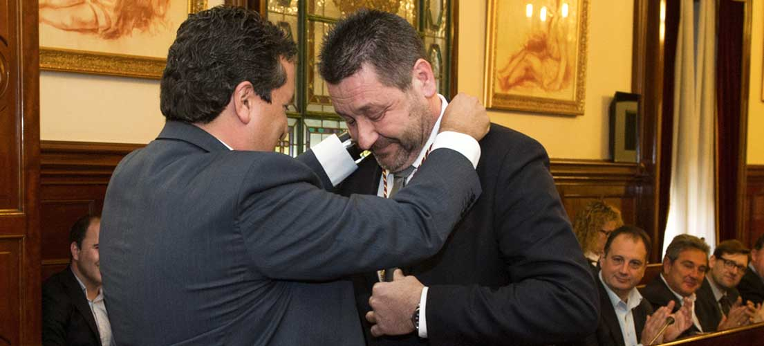 Antonio Cases toma posesión como diputado
