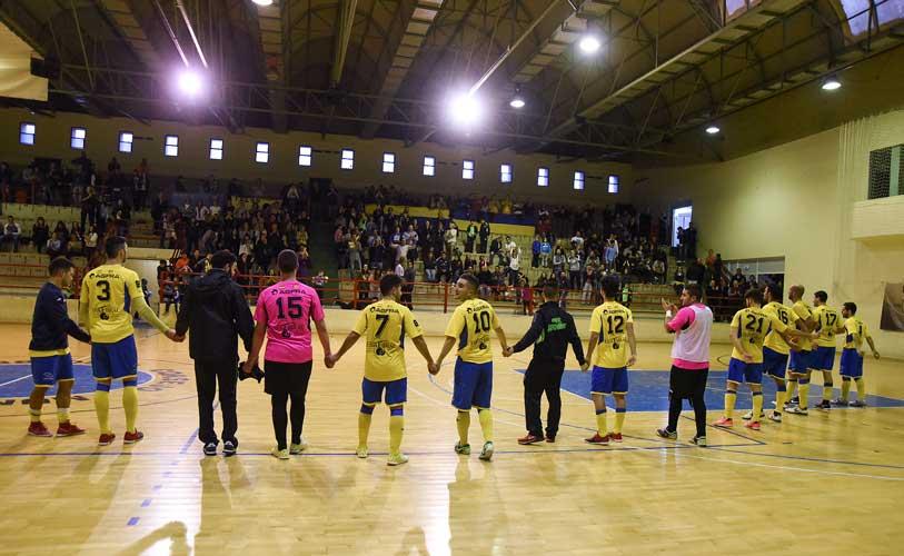 El equipo agradeció el apoyo de la afición. Foto:J.P.