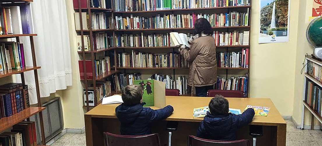 Navajas reabre la biblioteca
