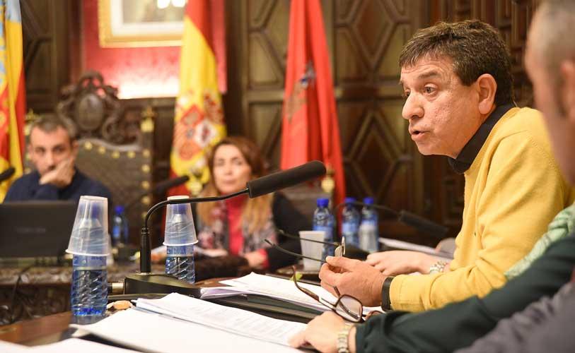 Hervás defendió la moción del PP. Foto:J.Plasencia.