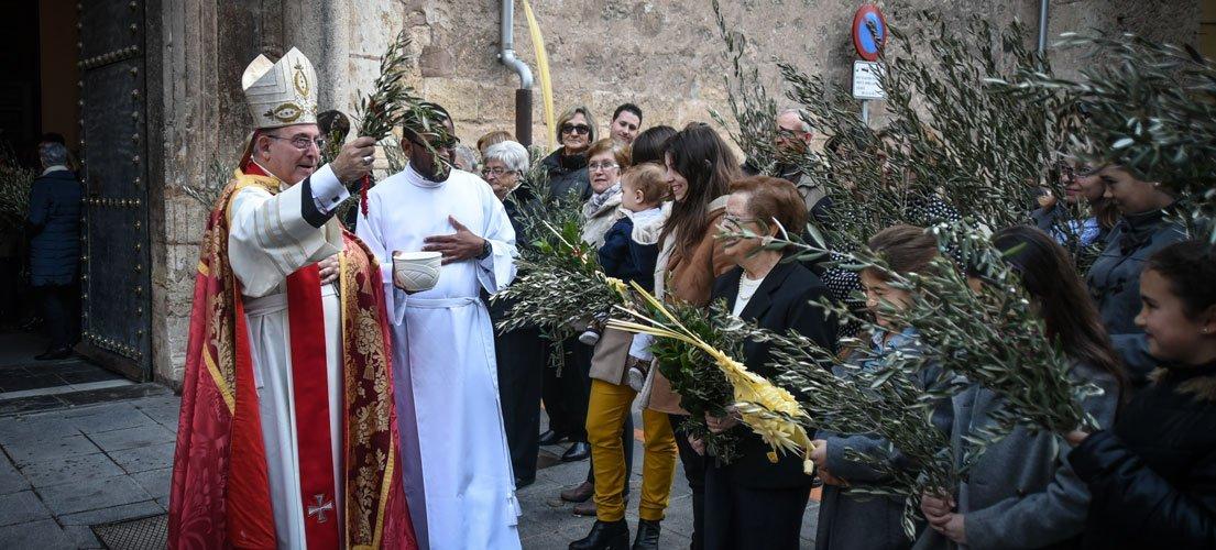 Palmas y Santo Crisma abren la Semana Santa