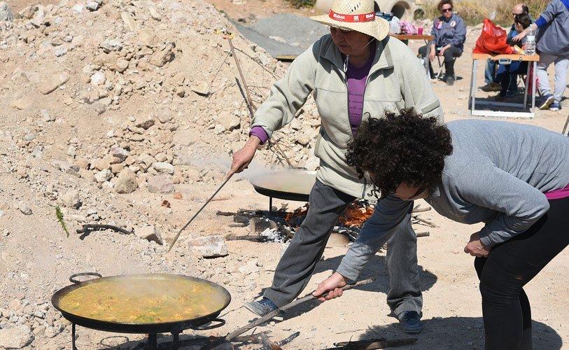 Cocinando en el solar. Foto:J.Plasencia.