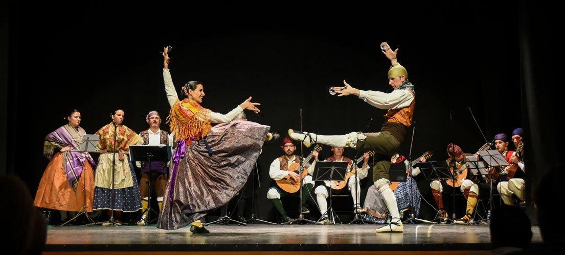 Festival de jotas en el Serrano