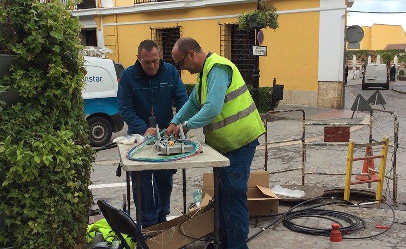 La fibra óptica llega a Segorbe. Las empresas de Prored y Movistar han soterrado el cableado ya en una gran parte de la población...