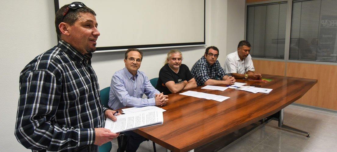 La Rocha pretende crear una plataforma de parados