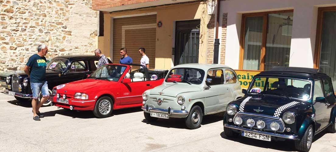 Concentración de coches clásicos en Gaibiel