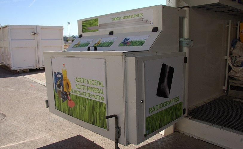 Segorbe retira los contenedores de aceite