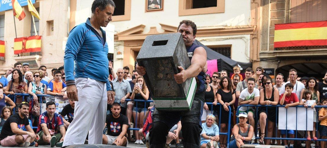 El deporte rural vasco y valenciano invadió las calles