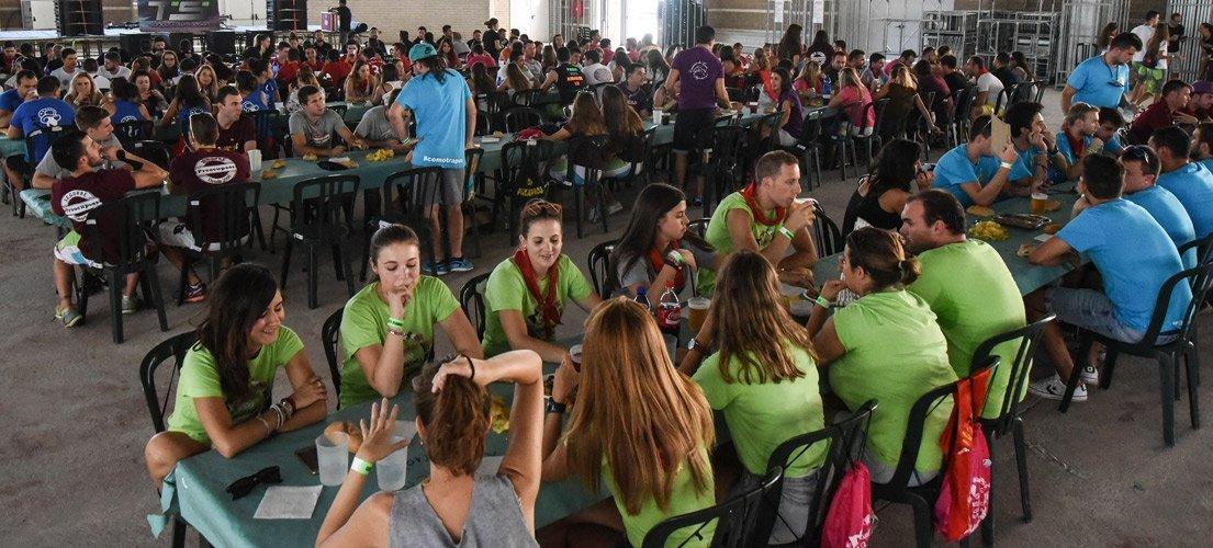 250 jóvenes en la macrocomida de garitos