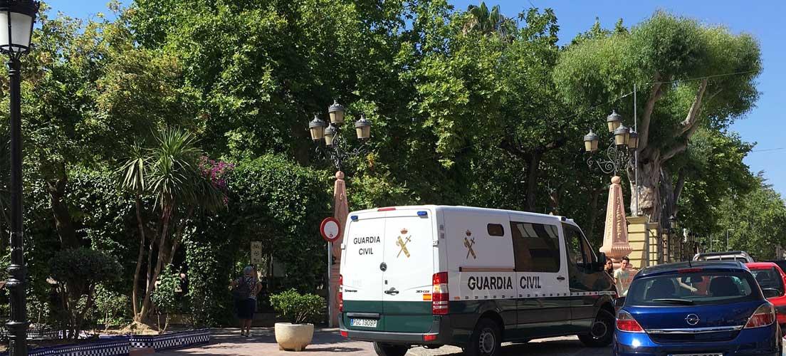 La Guardia Civil detiene a una pareja de jóvenes por robar a ancianos