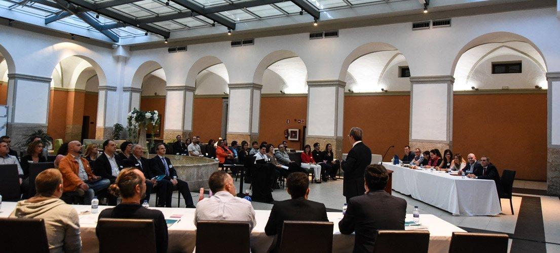 El networking de la FECAP reúne a una veintena de emprendedores