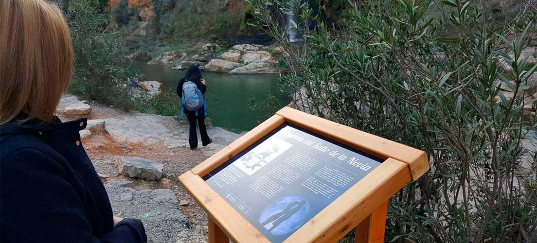 Navajas señaliza la Ruta de Las Fuentes