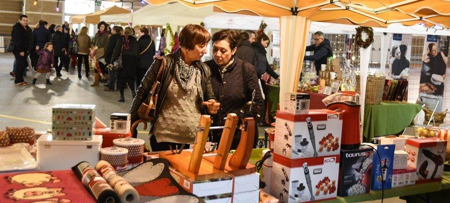 La lluvia desluce el Mercado Navideño de Segorbe