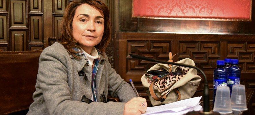 Mercedes Pérez donará su sueldo a las asociaciones locales