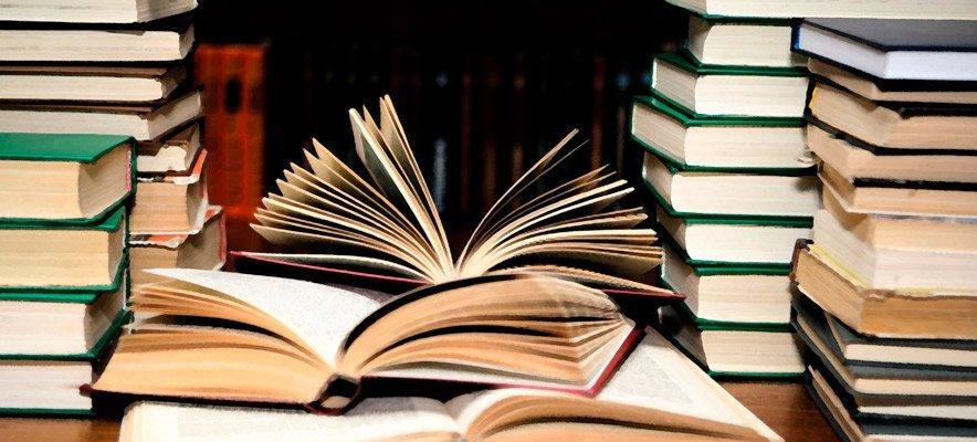 El Ateneo Libertario relanza su biblioteca