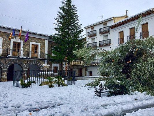 La UME actua en Barracas y los vecinos recuperan la luz