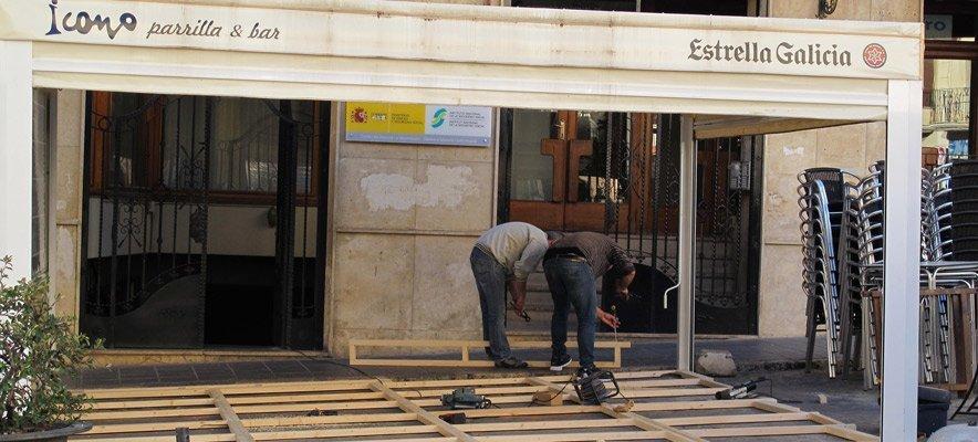 Segorbe obliga a colocar tarimas en las terrazas de bar