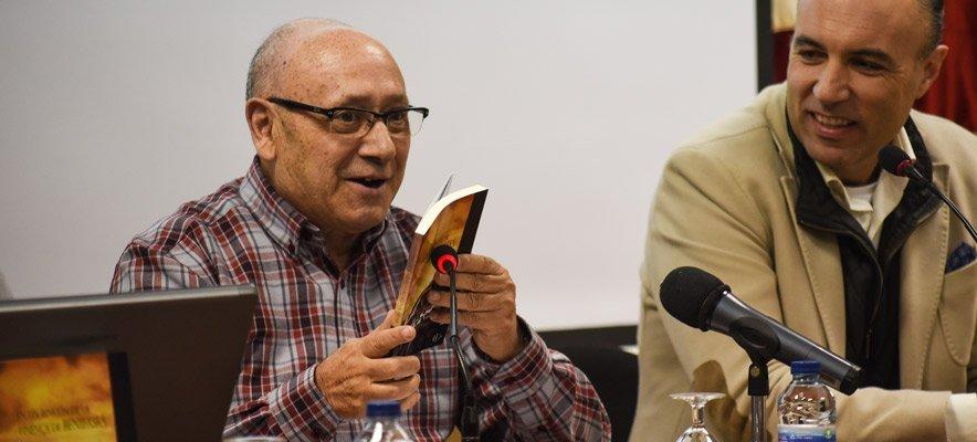 La tarde de Luis Gispert. Recibe premio y presenta novela