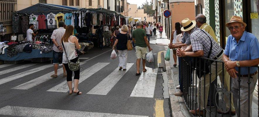 Recogen firmas contra el corte de tráfico del Mercado