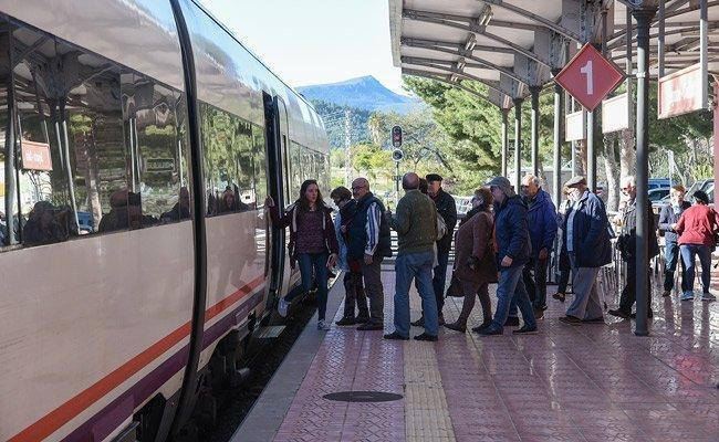 Reabren el tráfico ferroviario entre Teruel y Barracas