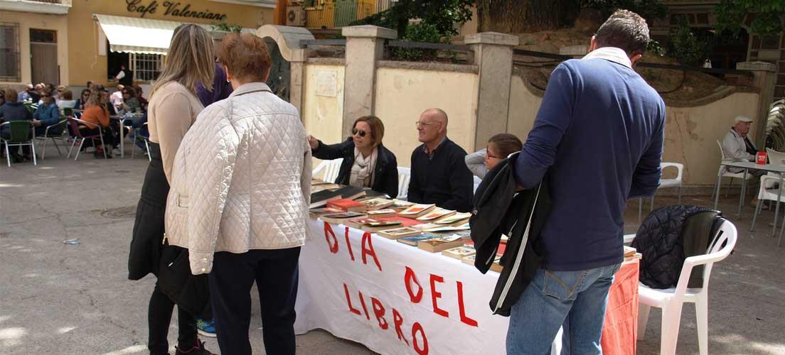 Día del Libro y Feria de Abril en Navajas