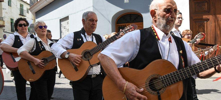 Soneja celebra con éxito el II Encuentro de Rondallas