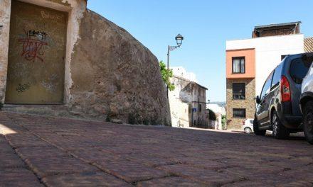 Reducen 5 metros la anchura de la calle El Monte