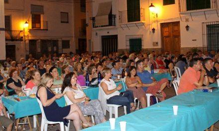 200 vecinos acuden a la cena solidaria de Caritas