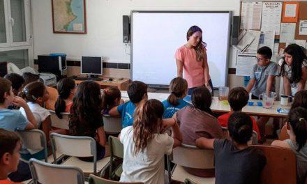 Facsa enseña a los niños de Jérica el ciclo integral del agua