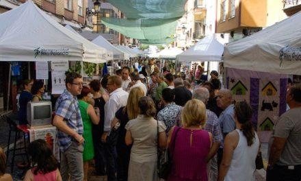 El calor no desluce la Feria empresarial y comercial de Altura