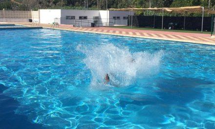 Geldo abre la piscina en la Noche de San Juan