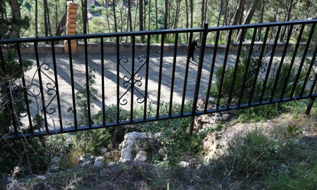 Desplomado un tramo de la muralla en el paseo de Sopeña