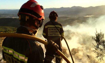 El incendio avanza rápidamente por Segorbe y se adentra en Altura