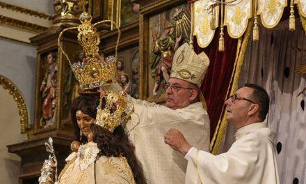 """""""La Morena"""" es coronada en Altura por el obispo de la diócesis"""
