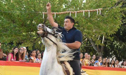 Día de carrera de cintas a caballo, cross, padel y  verbena