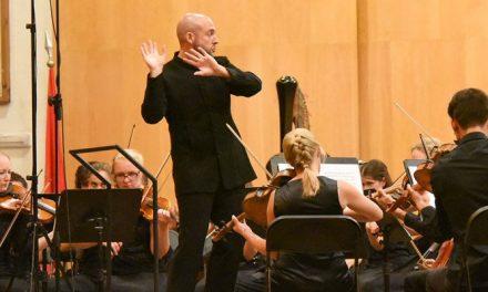 Carpe Diem puso en pie al público del Auditorio de Segorbe