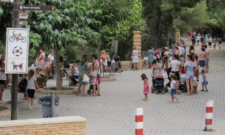 Más de cien niños participan en el concurso de dibujo