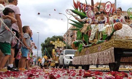 Segorbe celebra una colorida Batalla de Flores