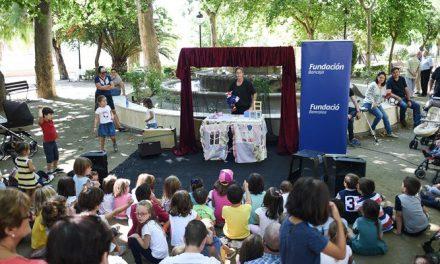 La ratita presumida atrae a la Glorieta a medio centenar de niños
