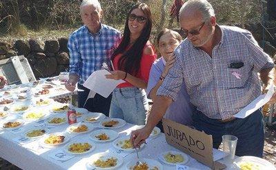 Los primeros premios fueron en la modalidad de arroz al horno para la familia Prados y en la de postres para la p