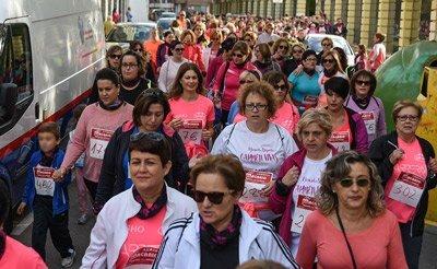 Donación solidaria de pelo en la Marcha ASAC de Segorbe