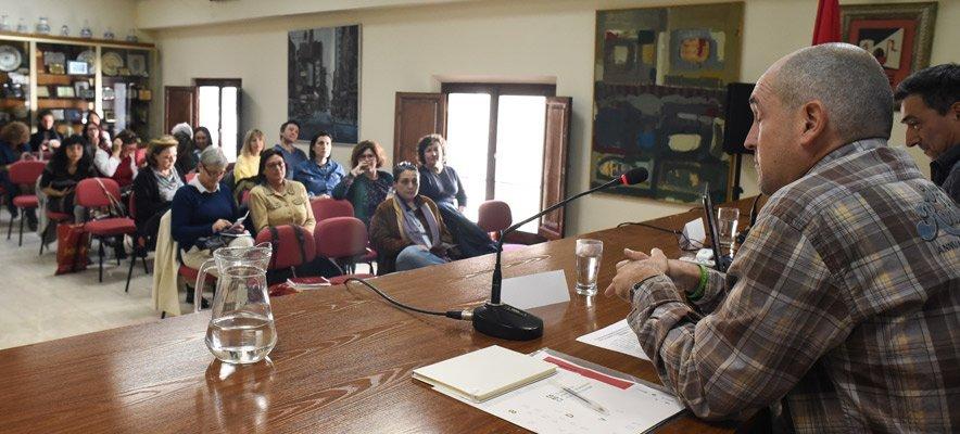 Medio centenar de bibliotecarios se reúnen en Segorbe