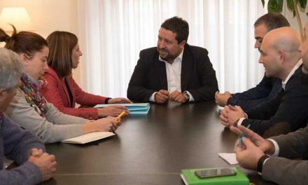 Navajas pide ayuda urgente a Diputación para seis temas